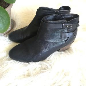 Clark's Black leather zip up heeled ankle boots
